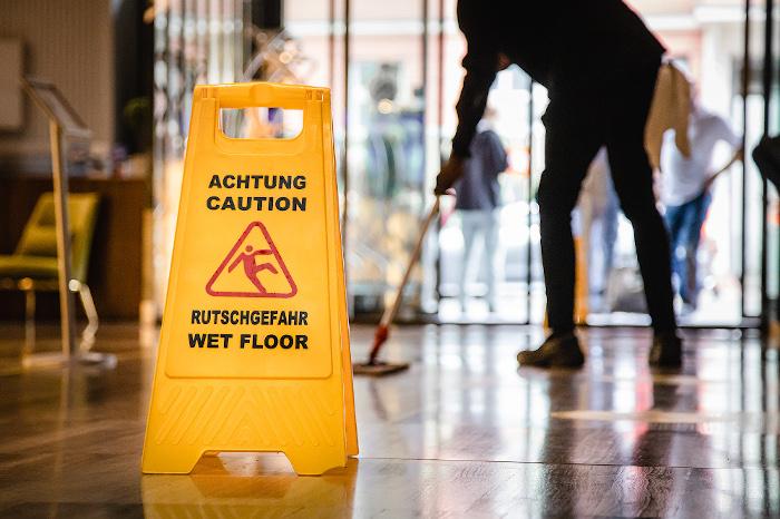 Gebäudereinigung: Lohn-Plus für 2.100 Beschäftigte im ...