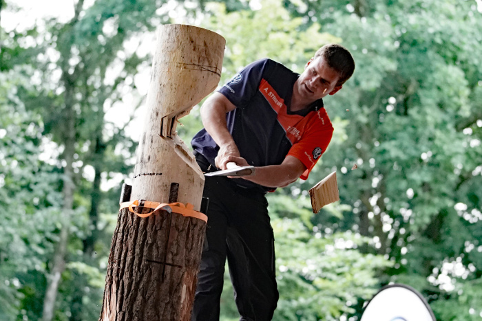 Stihl TIMBERSPORTS Andreas Striewe beim Springboard